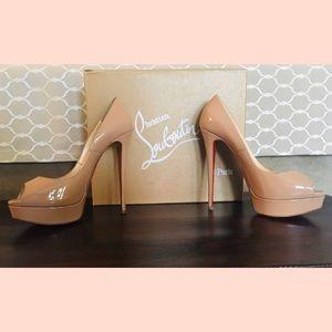 Christian Louboutin patent heels - Nude